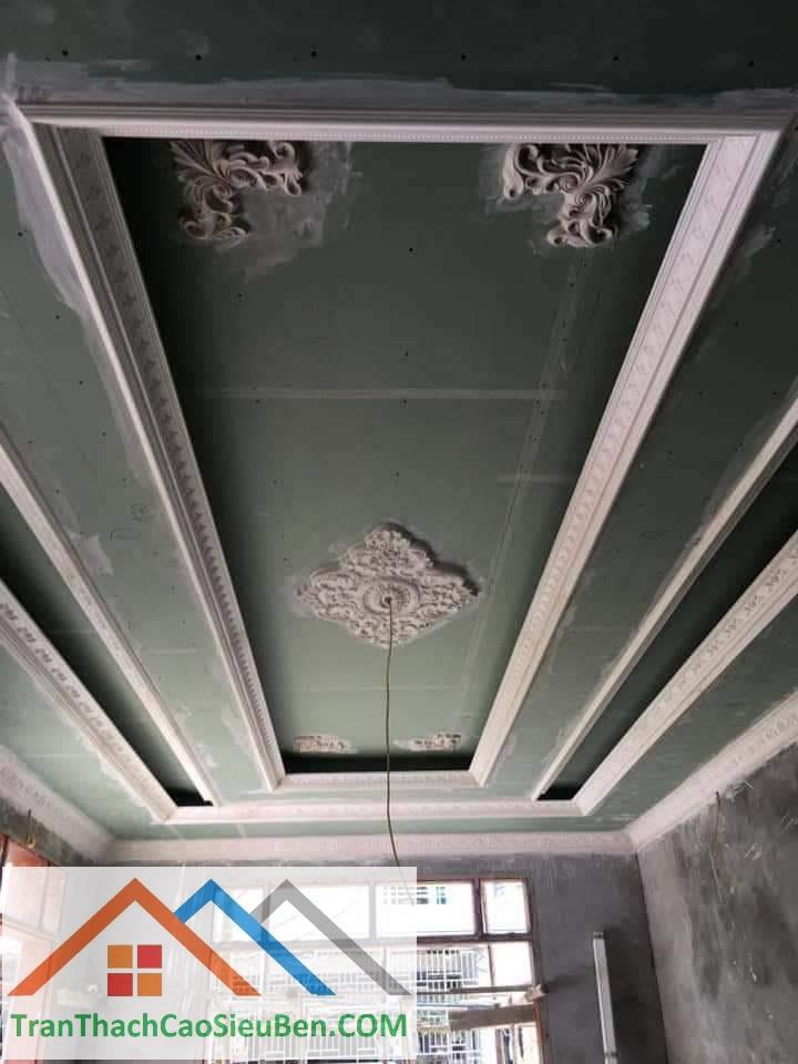 Mẫu trần thạch cao nhà ống tân cổ điển