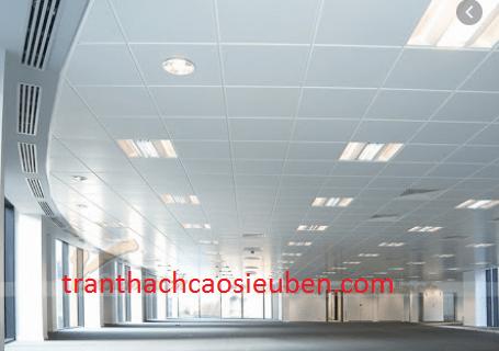 Văn phòng dùng loại trần thả có kích thước 600x600