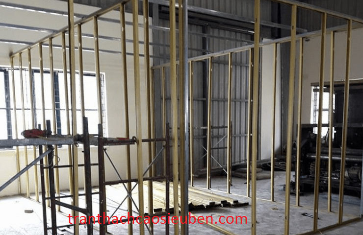 Thi công vách thạch cao cho nhà xưởng công ty sanyo tại kcn amata Biên Hòa