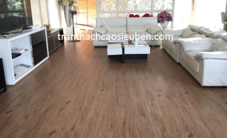 Mẫu sàn nhựa giả gỗ đẹp cho phòng khách