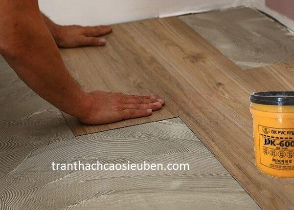 Thi công sàn nhựa vân gỗ ở TP Vinh Nghệ An