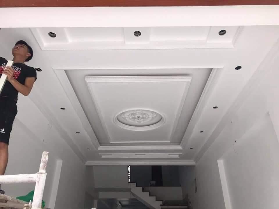 Mẫu trần thạch cao giật cấp cho phòng khách đẹp